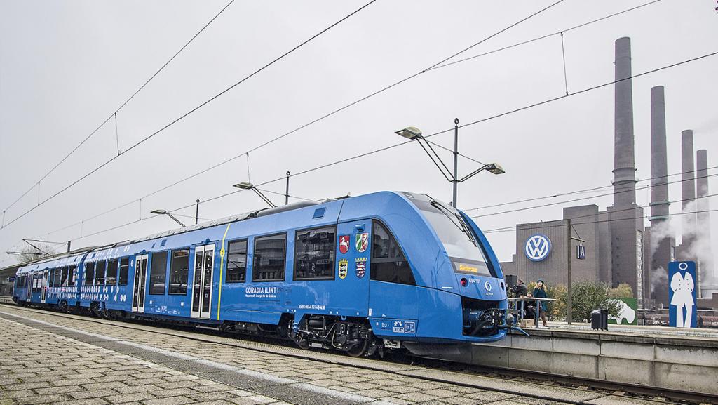 """Der """"Coradia iLint"""" von Alstom braucht keine Oberleitungen – er fährt mit Wasserstoff und Brennstoffzellen. Foto: Alstom"""