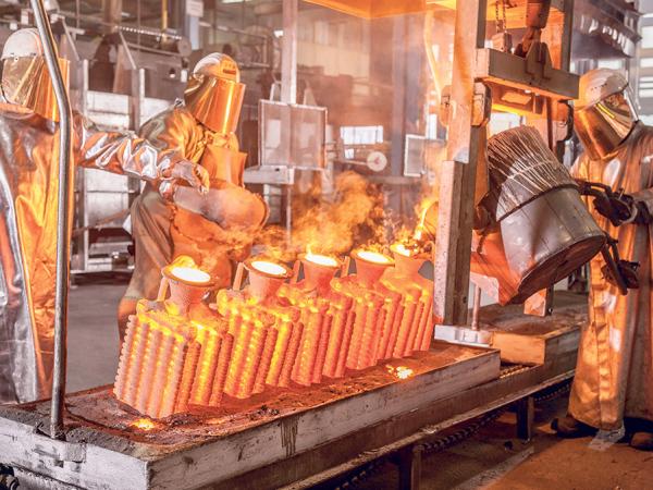 Die hohen Energiekosten in der Gießerei hat Feinguss Blank mit verschiedenen Effizienzmaßnahmen gesenkt. (Foto: Feinguss Blank/Ingo Rack)