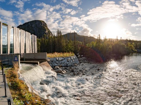 Auch mit Wasserkraftturbinen in Wasserkraftwerken wie Øvre Forsland in Norwegen trägt Voith zum Klimaschutz bei. Es produziert Strom für den Verbrauch von 1.600 Haushalten pro Jahr (Foto: Voith)
